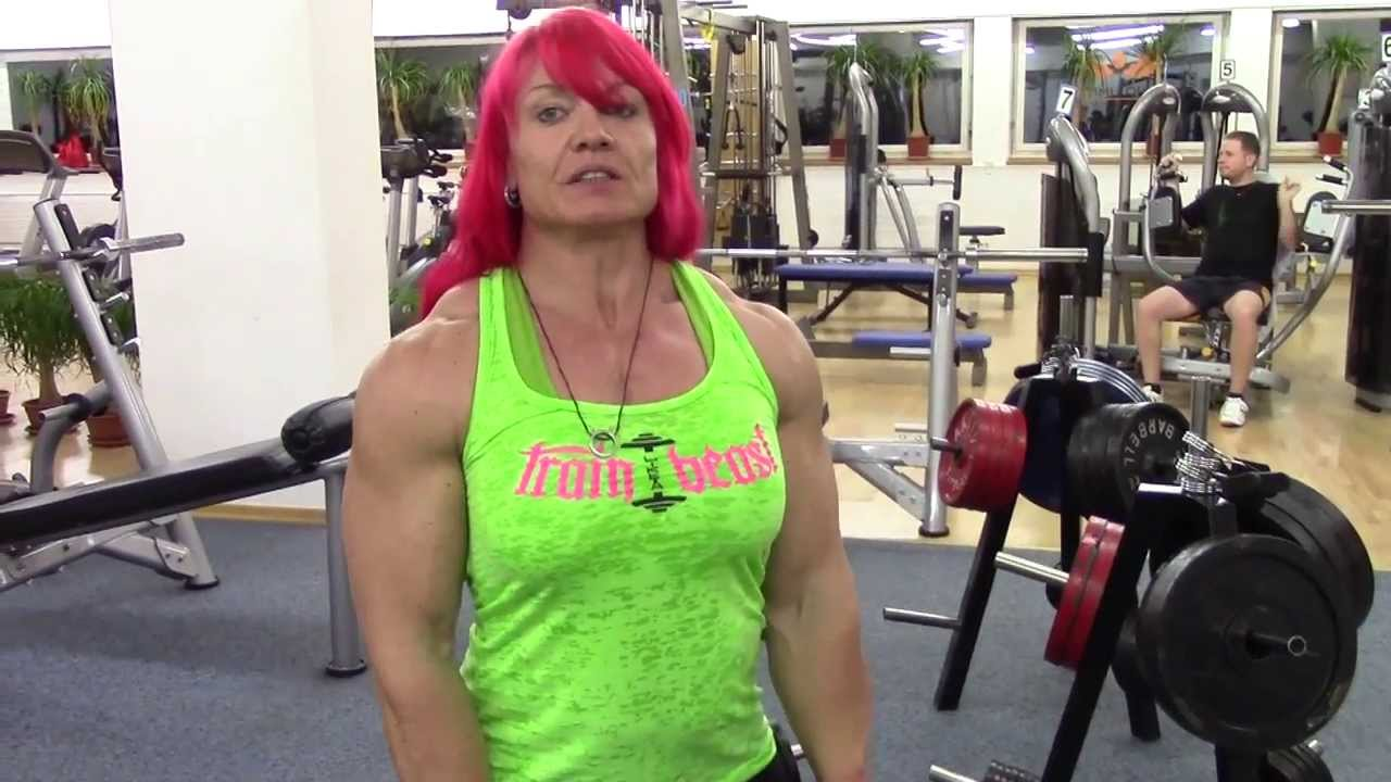 Daniela Sell Schulter – Triceps Workout