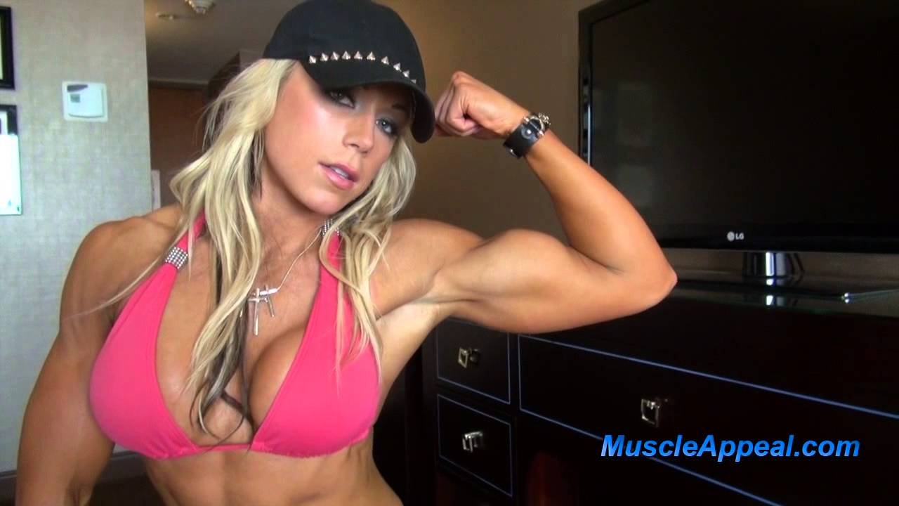 Beata Antoninas Flexing