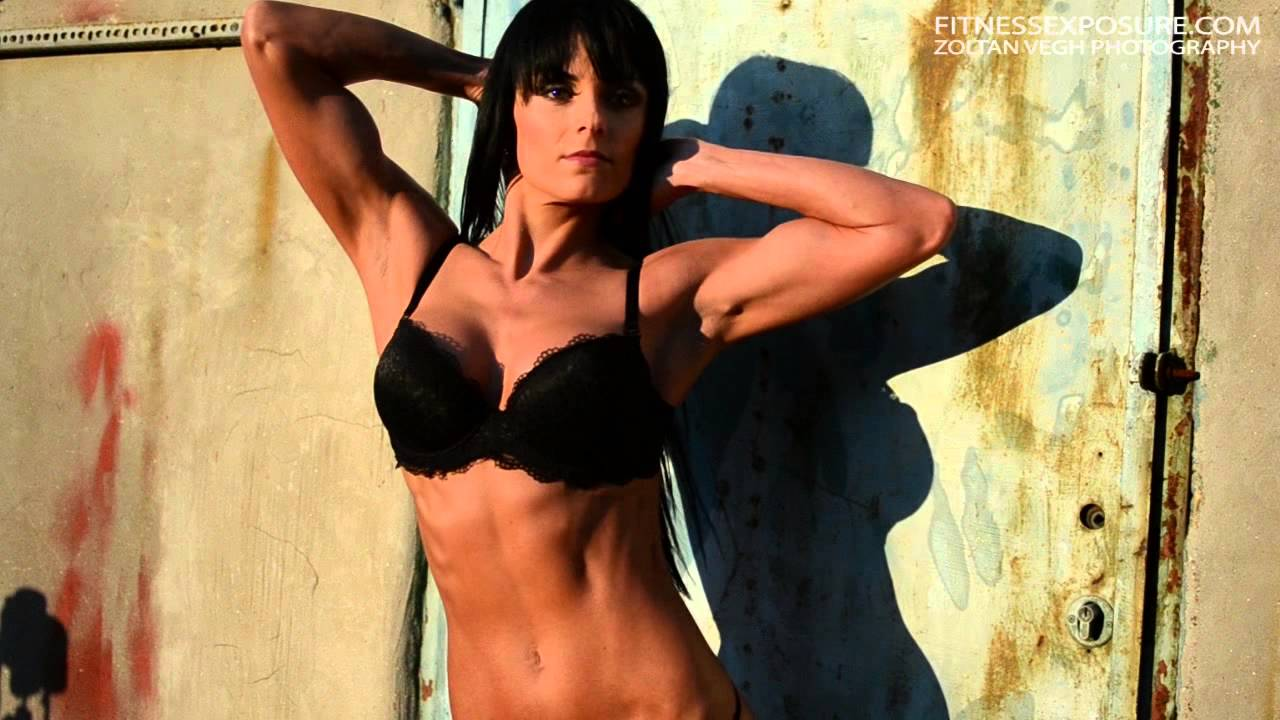 Renata Bojtos – Fitness Model Outdoor Photoshooting