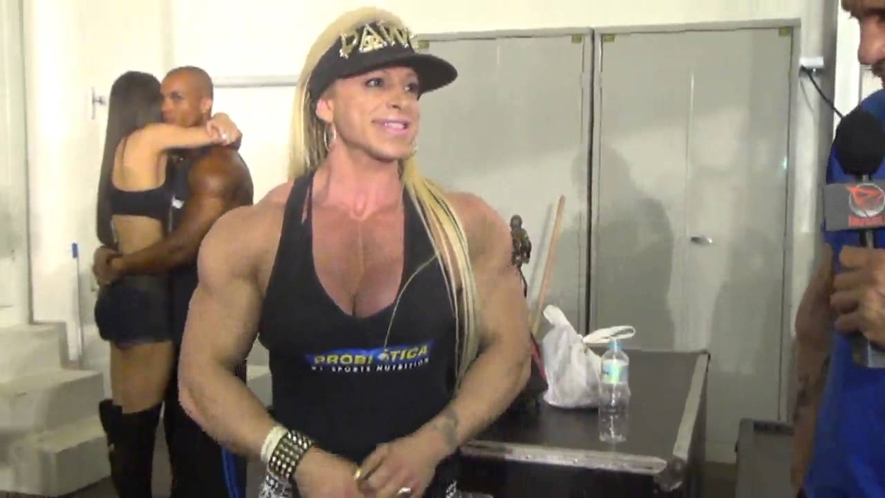 Anne Freitas At Arnold Brazil Expo 2014