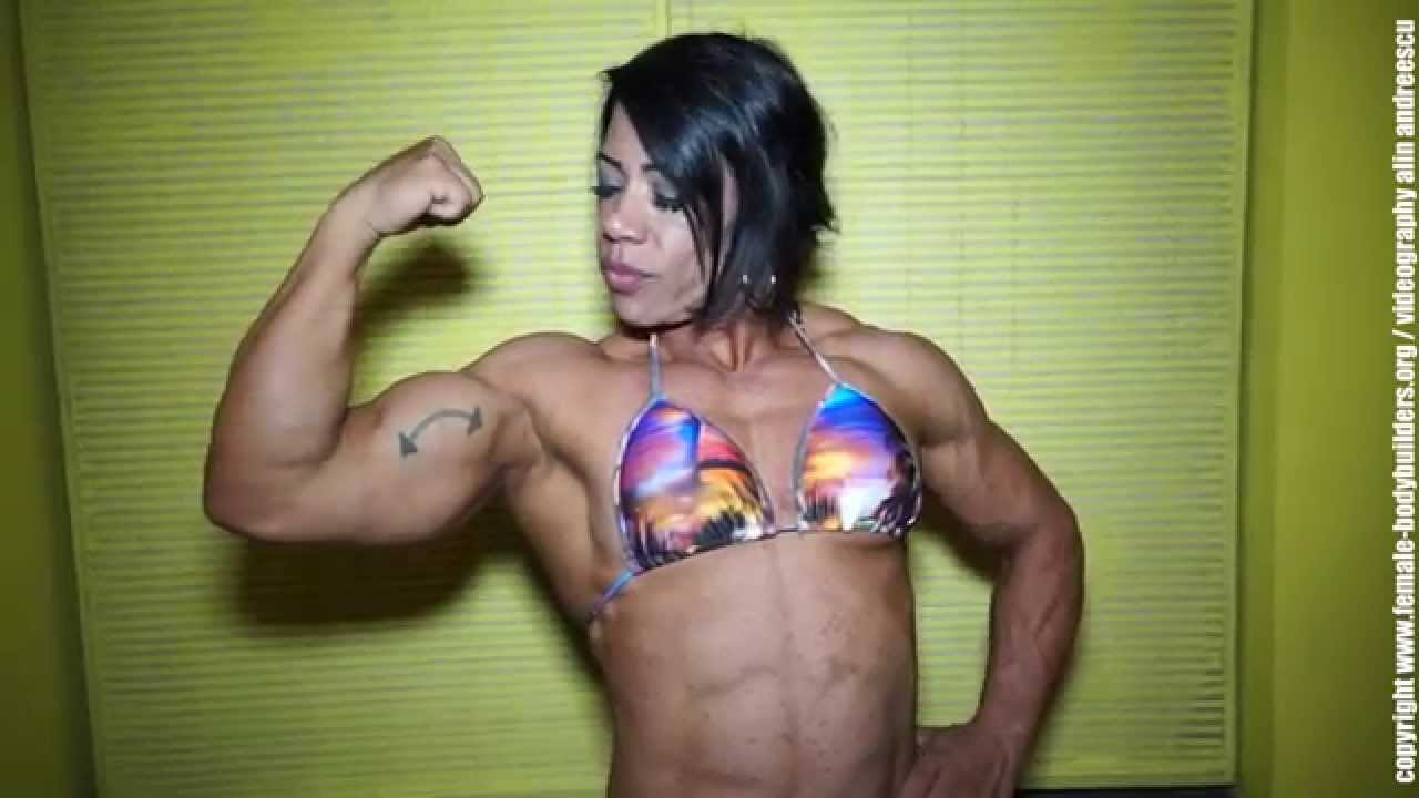 Claudete Santana – Brazilian Bodybuilder Biceps Flexing
