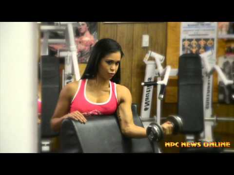 India Paulino – Biceps Workout