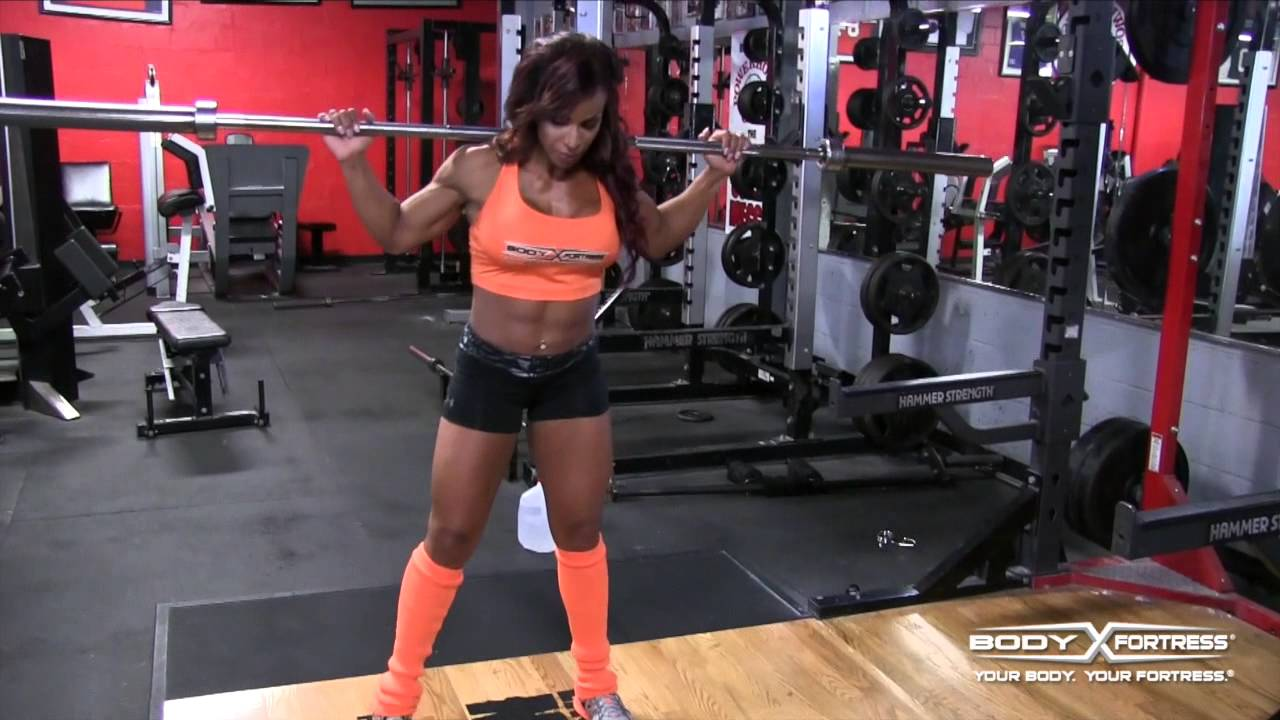 Grace Rivera – Barbell Curtsey