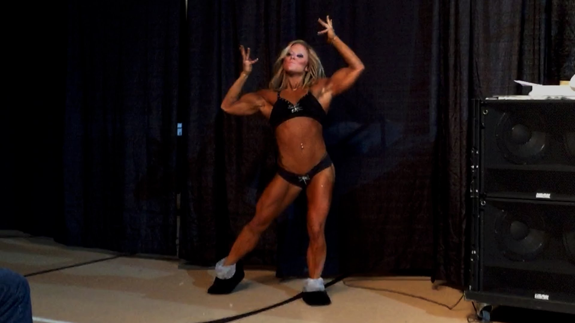 Danielle Reardon – Guest Posing At The NPC Southeasterns 2014