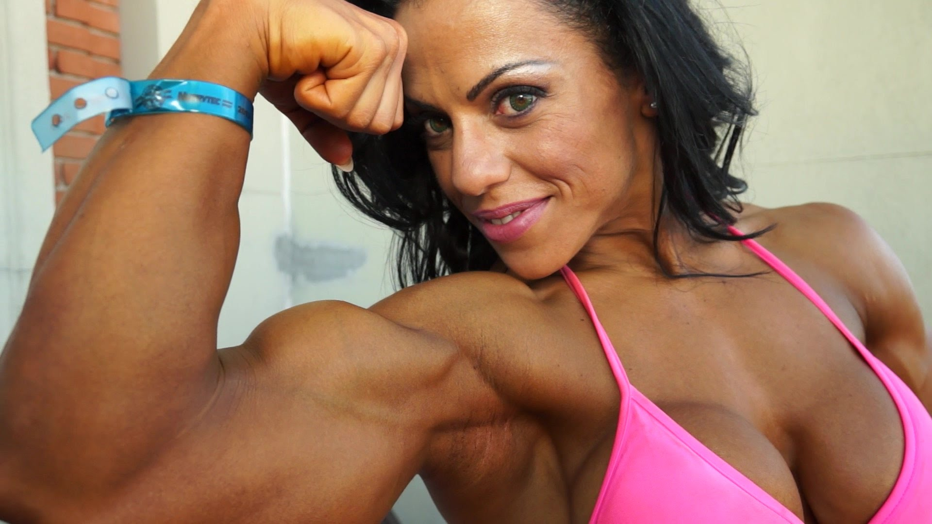 Mavi Gioia – Beautiful Female Bodybuilder