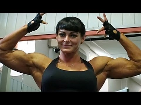 Maria Kuzmina Flexing