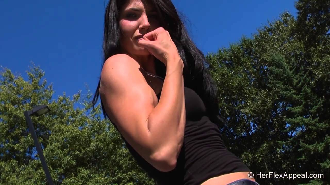 Amazon Amy – All Biceps