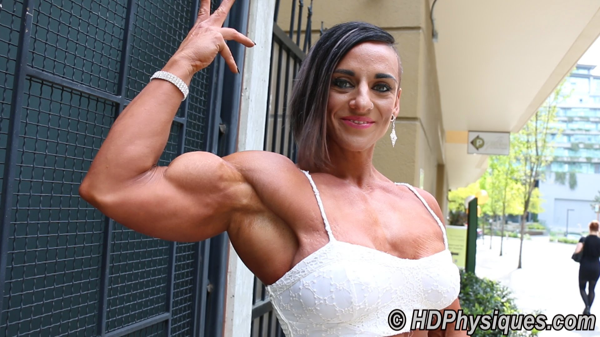 Tarna Alderman – Powerful Muscles