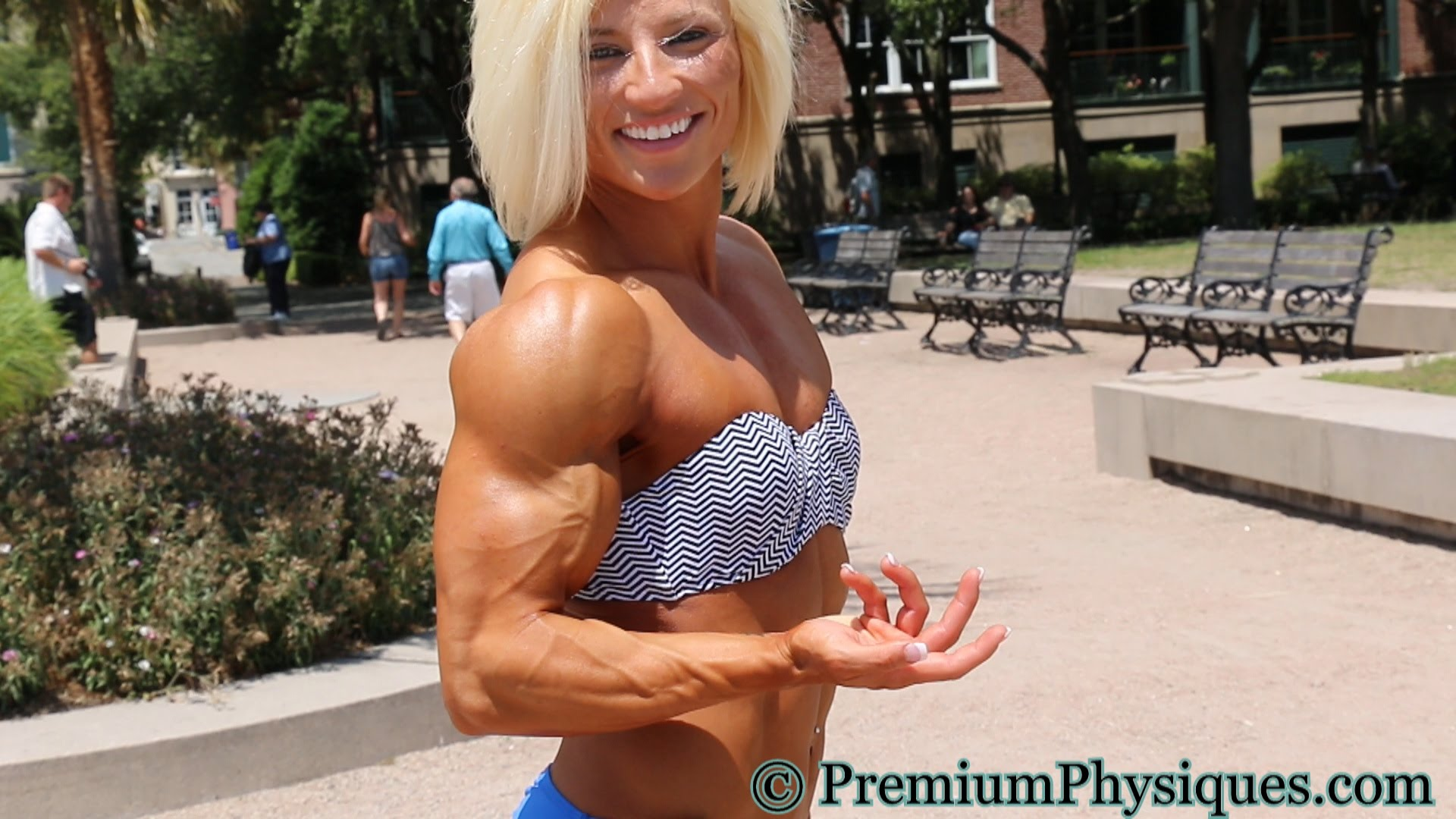 Brooke Walker – Muscular Model