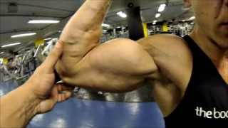Paloma Aragao – Big Arms Workout