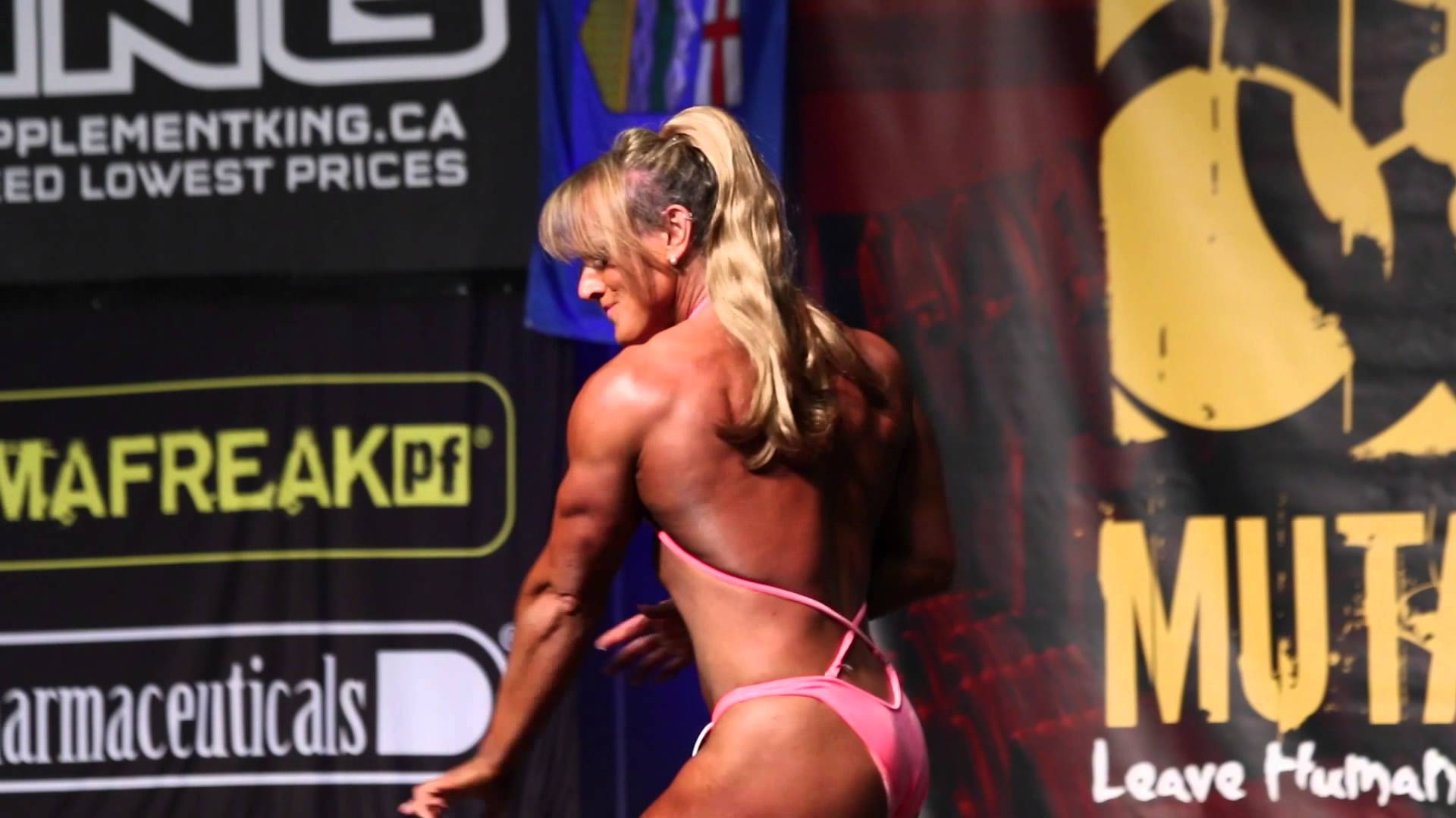 Dana Linn Bailey – Workout & Posing