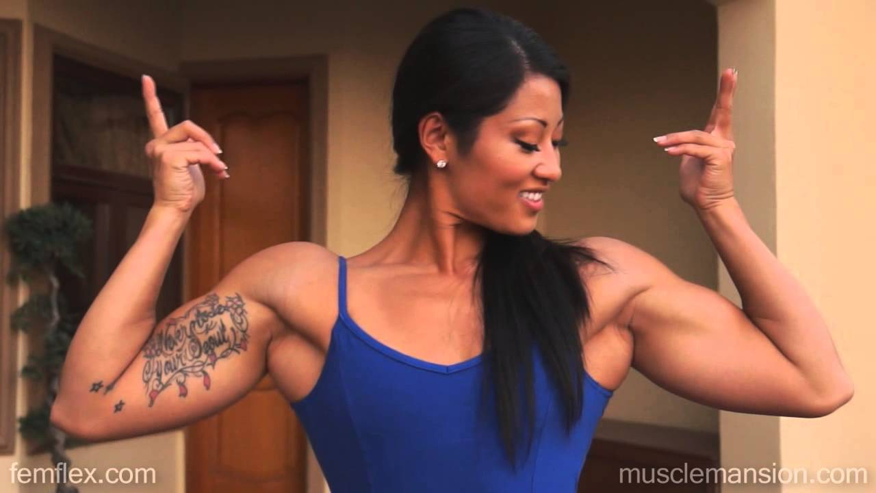 Kayla Dee – Natural Muscle