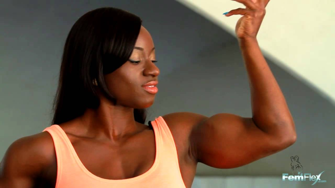 Chareece Moore – Biceps Flexing