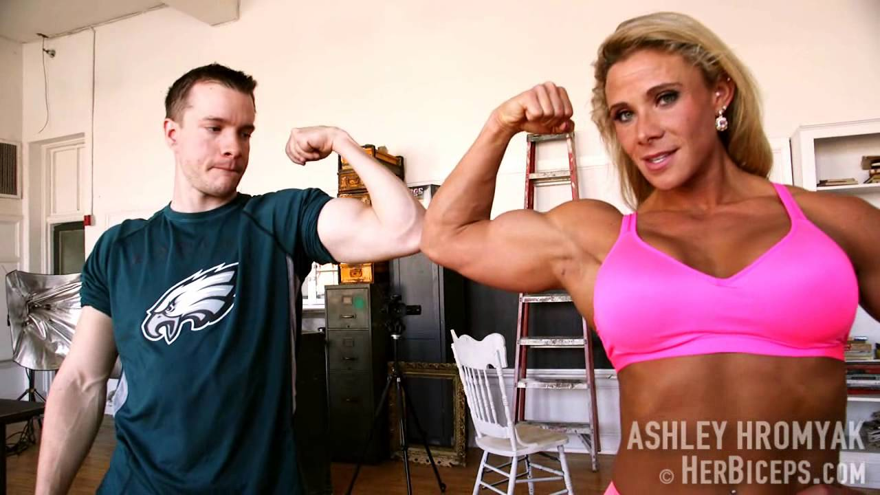 Ashley Hromyak Flexing