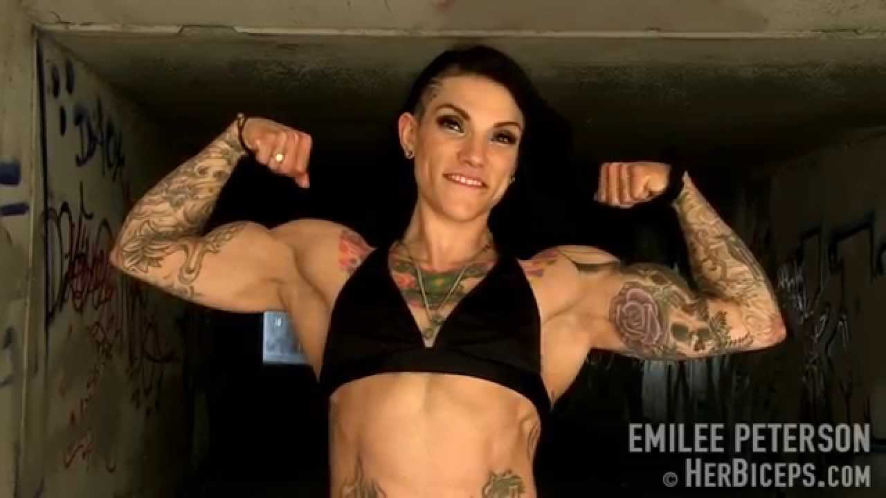 Emilee Peterson – Huge Biceps Peaks
