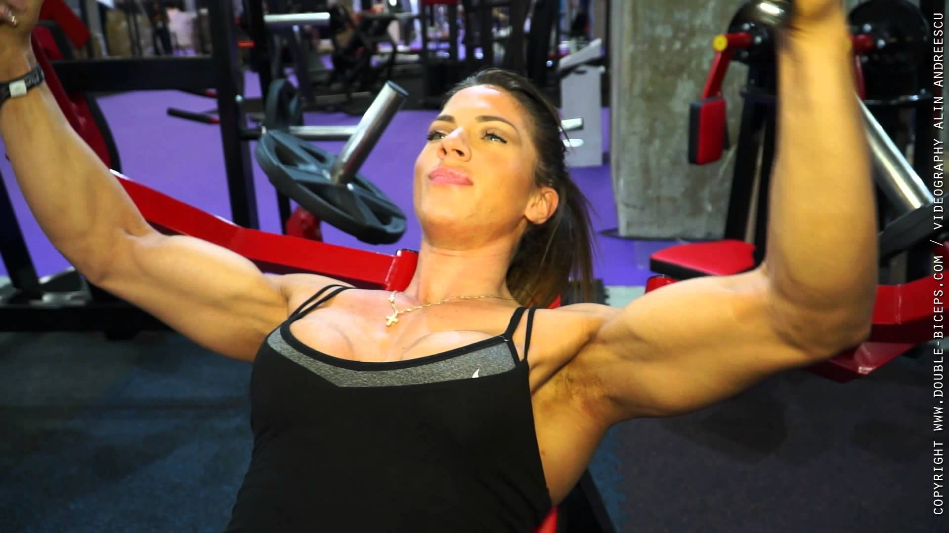Anastasia Papoutsaki – Gym Flexing