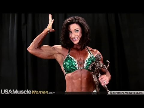Amber DeFrancesco – Backstage Posing