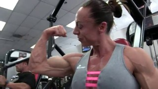 Nathalie Schmidt – Chest Workout & Posing