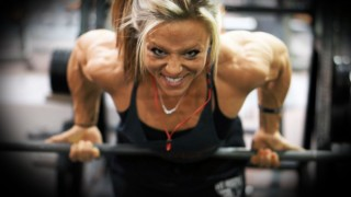 Danielle Reardon – Back Workout / 2 Weeks Out Arnold Classic 2016