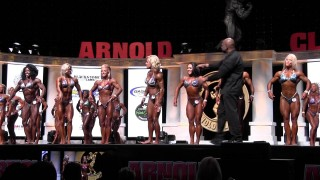 Arnolds Classic 2016 – PRO Womens Physique Prejudging 3