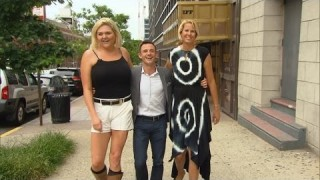 One Of The Tallest Women In US Talks Dating