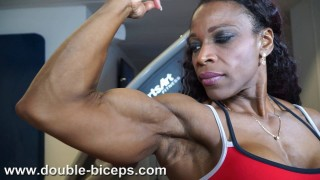 Lisandra Chacon – Workout & Posing