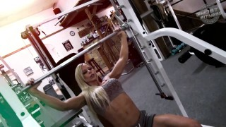 Katalin Jasztrab – Smith Machine Workout