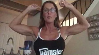 Stacy Killion – Biceps Flexing