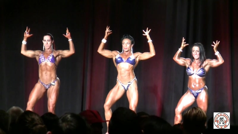 Masters 40  Women's Physique