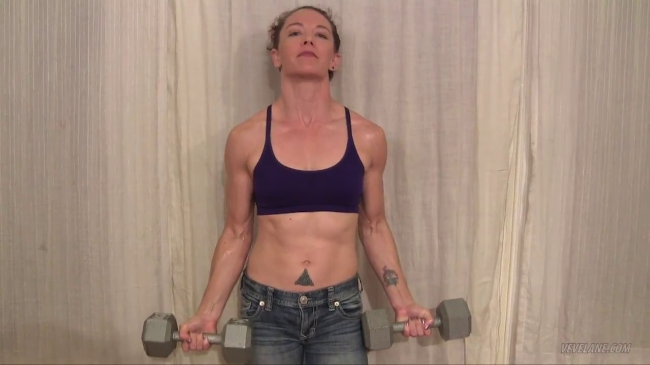 Veve Lane – Biceps Curls