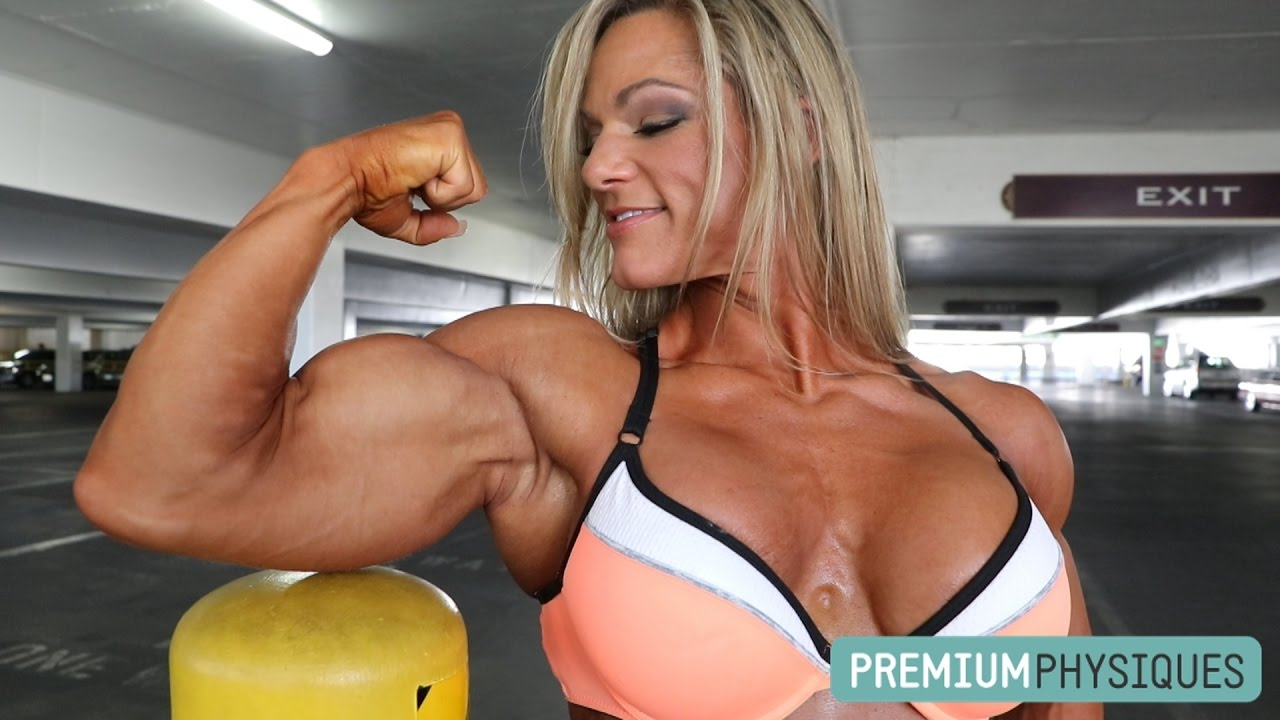 Jamie Pinder – Ripped Biceps, Quads & Calves