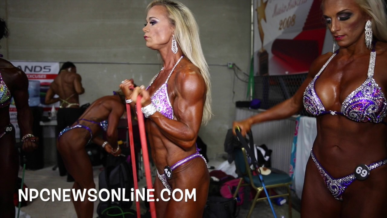 NPC Nationals 2016 – Women's Figure Backstage