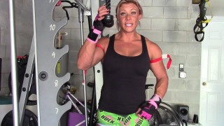 Ashley Hromyak – Garage Workout