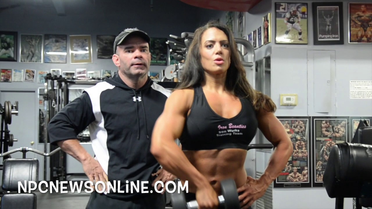 Kelly Lyons – Shoulders Workout