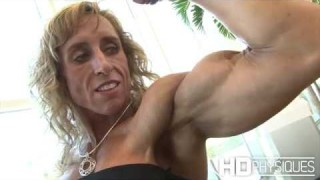 Paula Francis – Ripped & Ultra Muscular