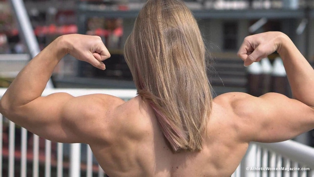 Wendy Lindquist – Big Biceps And Back