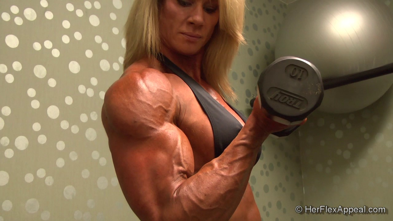 Lisa Giesbrecht – Big Biceps Workout