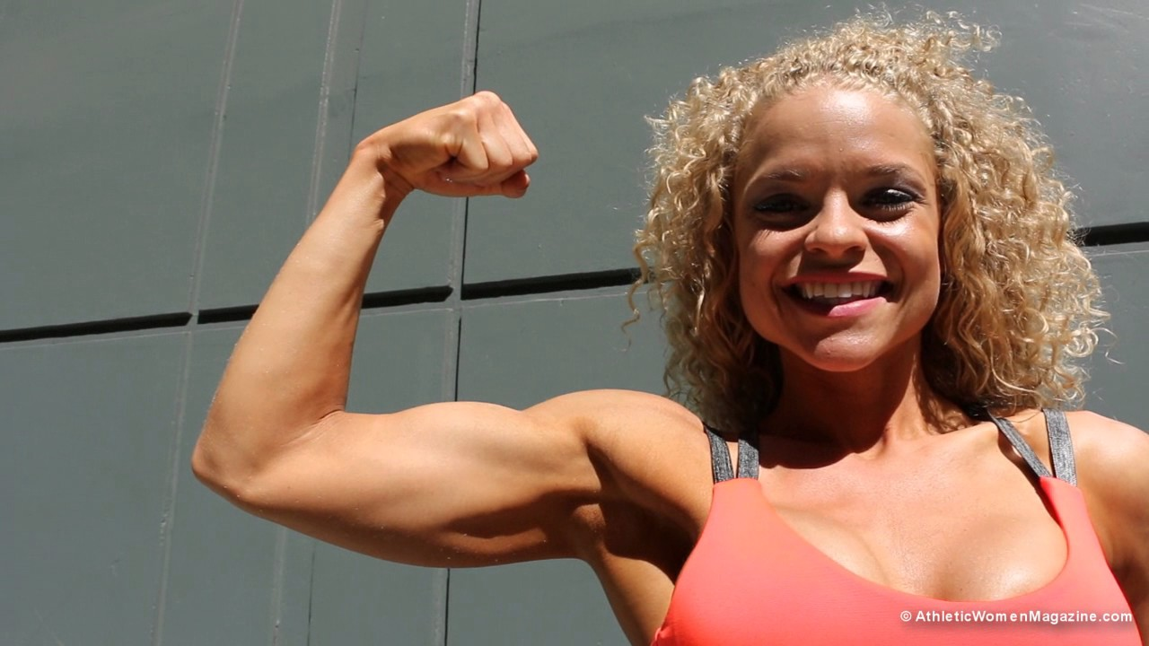 Crystal Steffler – Biceps Flexing
