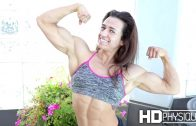 Bailey Daniels – Fitness Model Flexing