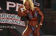 Jacqueline Fuchs – Triceps Workout