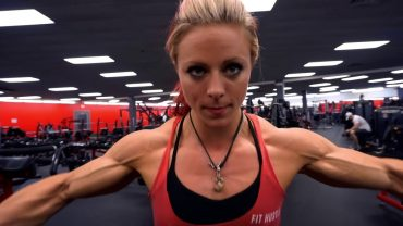Danielle Reardon – Chest And Triceps Workout / Road To Ms. Olympia 2017