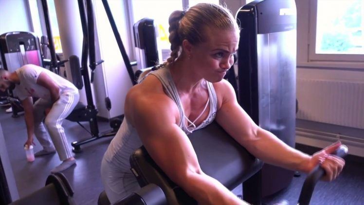 Angelica Enberg – Delts & Arms Workout