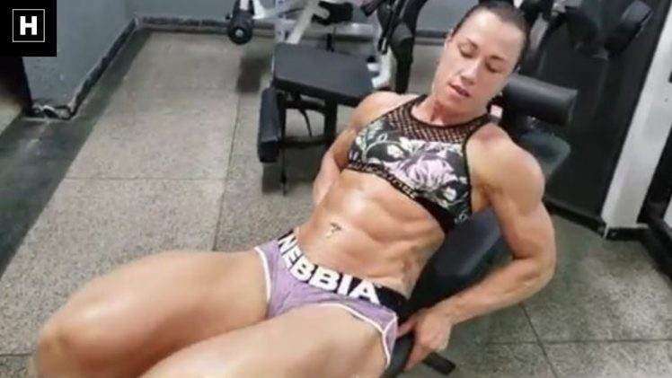 Carla Inhaia – Monster Leg Workout